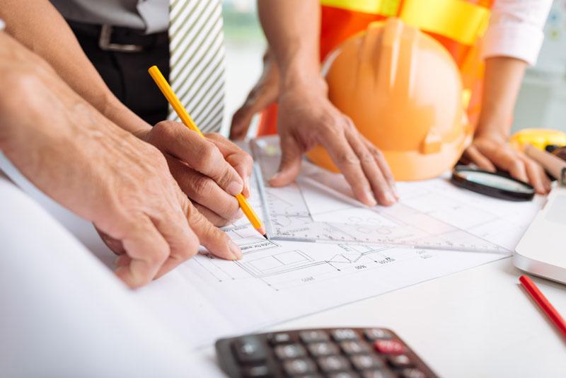 حداقل شرایط لازم برای اخذ رتبه مشاور در گروه شهرسازی و معماری شامل چه مواردی است؟